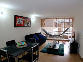 Charming and modern 2 bed/2 bath Apartment/Zona G