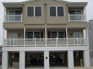 Brand NEW Oceanside House - Sleeps 8, 3BR 2.5 Bath