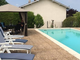 Les Cotes, 3 bedrooms, private pool, relaxing family holiday great views