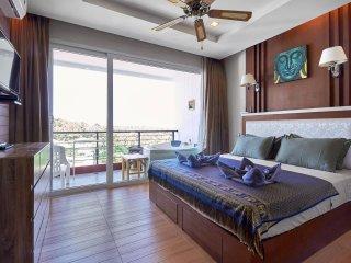 Appartamento vista mare con Jacuzzi privata e stupenda infinity pool sul tetto