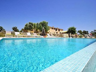 CASES D'ALCUDIARROM- Villa  Villafranca! Ideal for families - BBQ- PRIVATE POOL-