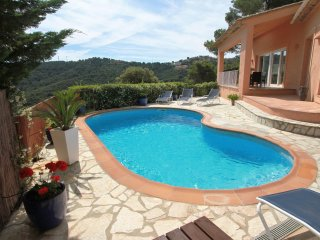 Beautiful, modern detached villa with private pool and wifi