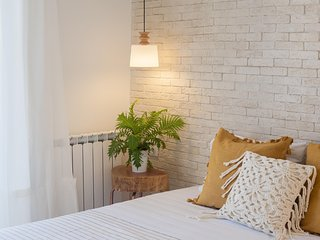 Design apt just 10 min on foot from the Old Town!