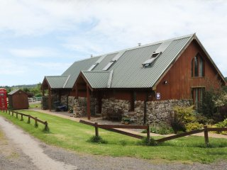 TARNSIDE 2, open plan accommodation, woodburning stove, countryside, near