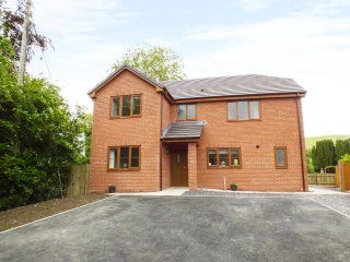BRYN GOLWG, spacious, modern, WiFi, detached, near Llanidloes, ref:952434