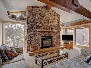 Ski-in condo w/ hot tubs, located in the heart of Breckenridge!
