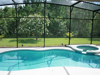 Stunning 5 BR 4 BA Pool Home w/Spa 8 minutes to Disney