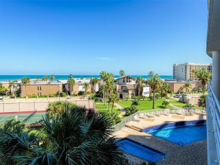 FAMILY fun with 3 pools, gym & more in LARGE BEACHFRONT town-home style condo!!