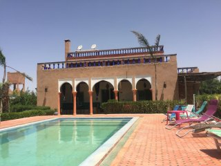 Spacious and luxury villa with Big Private Pool 7 rooms