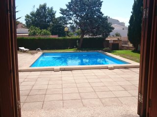 2 bedrooms Ground Floor with communal Pool