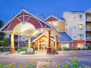 Start your fall with a luxurious week's vacation at Bluegreen's Odyssey Dells.