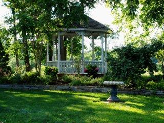 The Victorian Seasons Cape