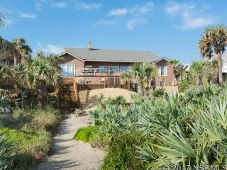 Spacious, dog-friendly, oceanfront home w/ large decks offering great views