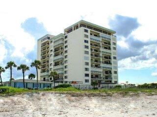 Beachfront condo w/ pool, sauna, shuffleboard, & more - snowbirds welcome!
