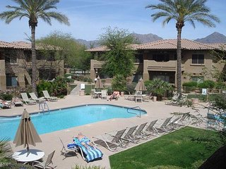 Two comfortable Master Suites close to all Scottsdale has to offer!