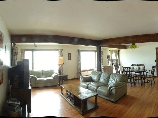 Saratoga Lake Waterfront Spacious 4 Bedroom House