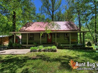 Smoky Mountain 3 Bedroom Riverside Cabin Rental with Hot Tub and Pool Table