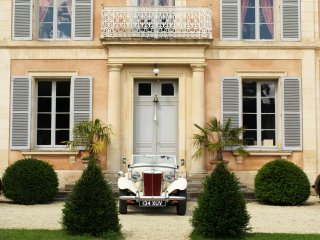 Charming chateau at the heart of Normandy ideal for family & friends reunions