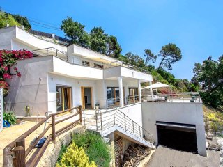 Catalunya Casas: Modern Villa Mestral for 9 guests, only a few km's to the beach