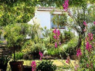 MONTPELLIER, studio dans un jardin méditerranéen