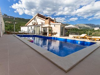 NEW!!! Villa Amore Split with private pool, gym, fun zone, garage...
