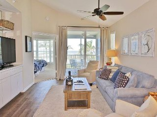 Family friendly, 2nd floor two bedroom deluxe near beach and pool, B3423B
