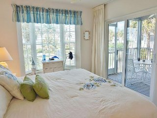 Eye catching two bedroom deluxe near the pool, B3313B
