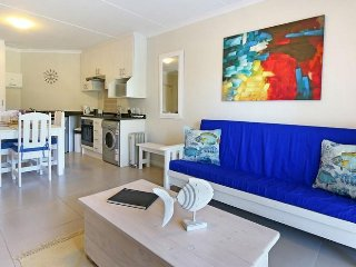 BRAND NEW SELF CATERING APARTMENT / TOURS