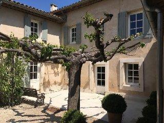 JDV Holidays - Villa St Henri, with a heated pool, Luberon, Provence