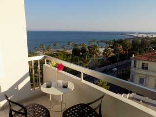 2b Boutique Seafront Apartment Olympic Beach TL044