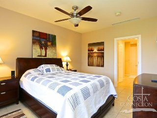 Pacifico L515, oversized one bedroom condo overlooking the Lazy River pool