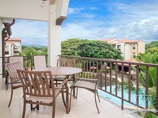 Pacifco L612, comfortable designed, awesome 2 bedroom condo overlooking the pool