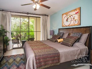 Pacifico L608, recently updated one bedroom condo by the pool