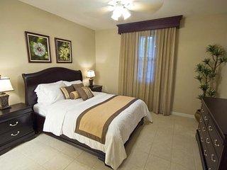 Pacifico C306, comfortable 2 bedroom ocean view condo
