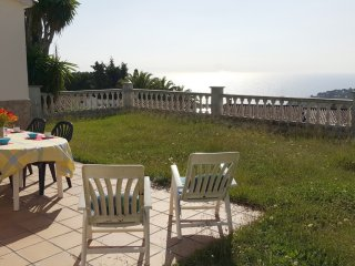 Nice house with private garden and fantastic sea view ref. GEMMA
