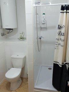 Shower & toilet room