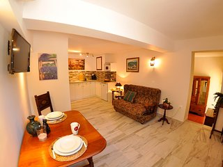 Villa Erasmia - 'Olive Tree' Apartment