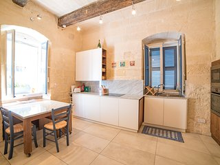 Charming 1 bedroom Maisonette in Valletta (Ref: TA)