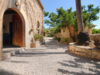 Nice 5 bedroomed holiday villa to rent in Pollensa