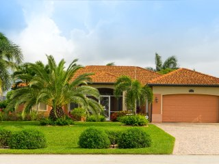 Villa 'Bellinger' - Gulf access canal home. SW area of the Cape Coral.