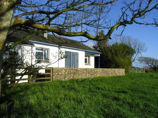 GREENLANDS, WIFI, conservatory with views, South Devon AONB, Ref 954981