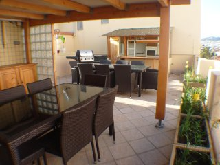 Cannes Penthouse with Roof Terrace walk to Palais Beaches Supermarkets Internet