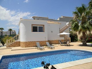 Fantastic Villa with WiFi and Private Pool in Los Altos