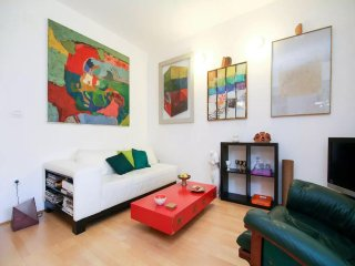 Artistic and aesthetic apartment with private garden - Top