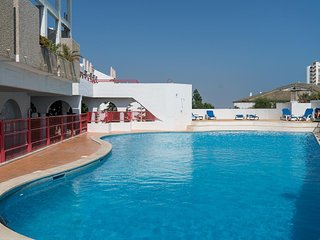 Watters Yellow Duplex Apartment, Albufeira, Algarve