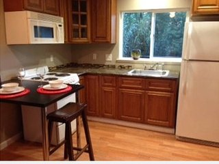 Brand New 1 Bedroom Guest House beautiful Los Gatos With Pool!