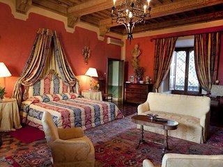 10 bedroom Chateau in Campiglia Marittima, Tuscany, Italy : ref 5241235