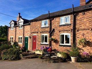 Granary Cottage. WINNER Best Self-Catering Provider Cheshire 2016. 4 Star GOLD