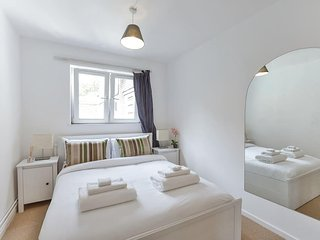 Modern Flat Near Charing Cross Hospital.CREF