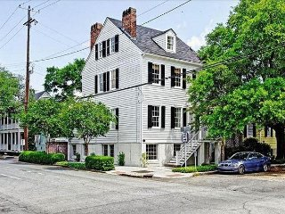 Spend the Night in History, Luxury Home Steps To River St and Washington Sq.